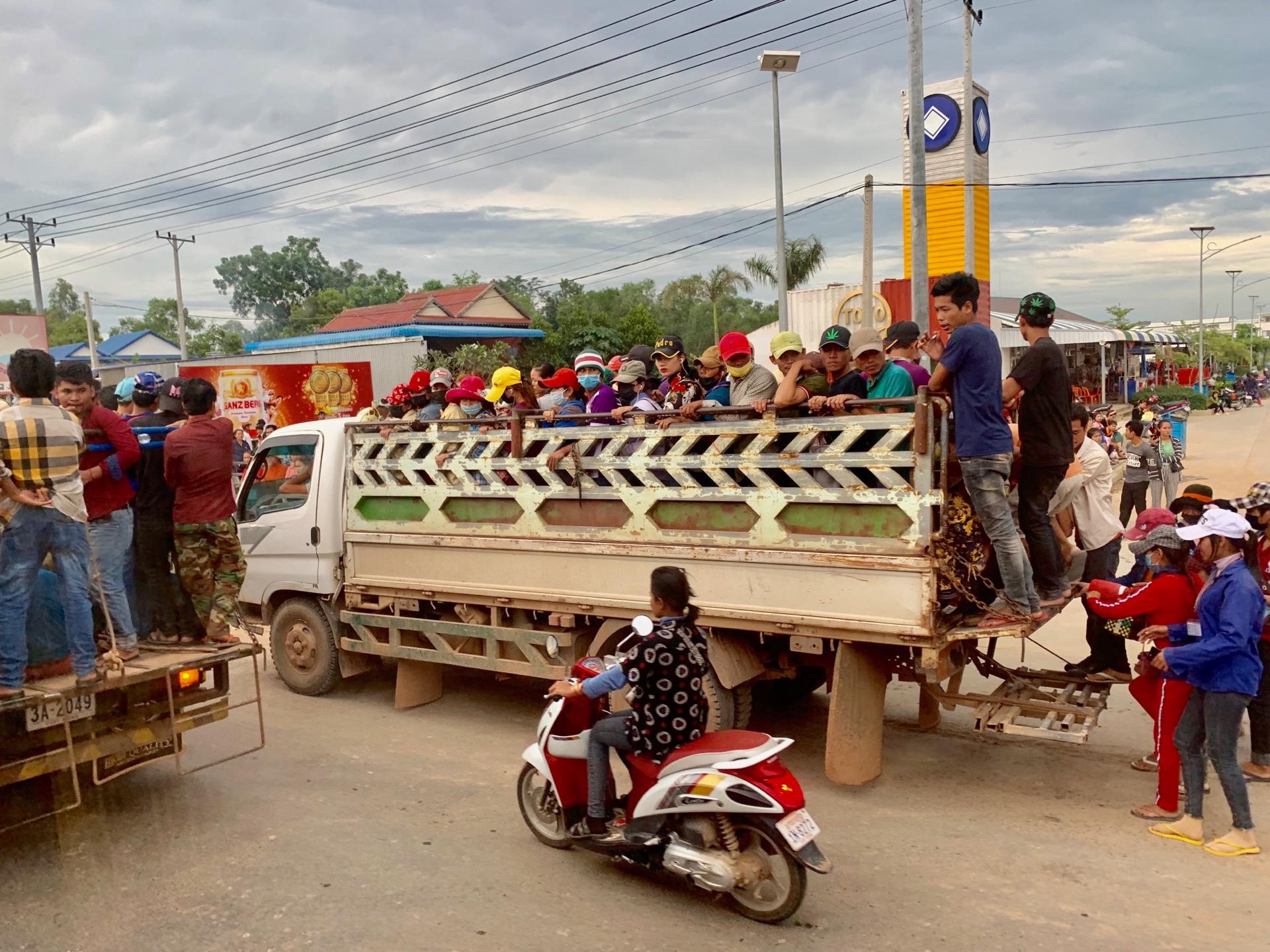 プレハネ3カ国目はベトナム! 今日はバス移動日