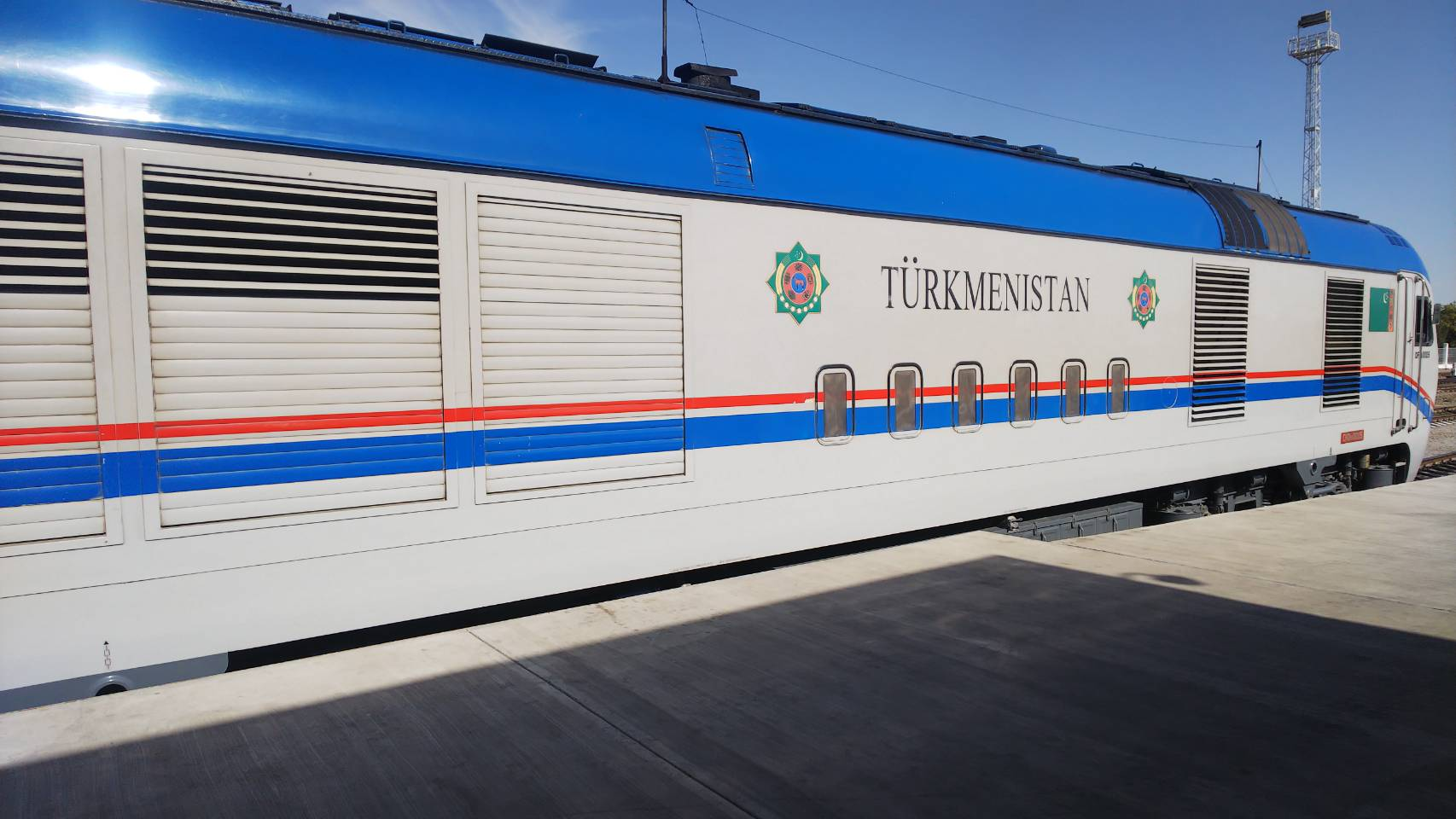 アシガバートからトルクメンバシへ電車での行き方の徹底解説!