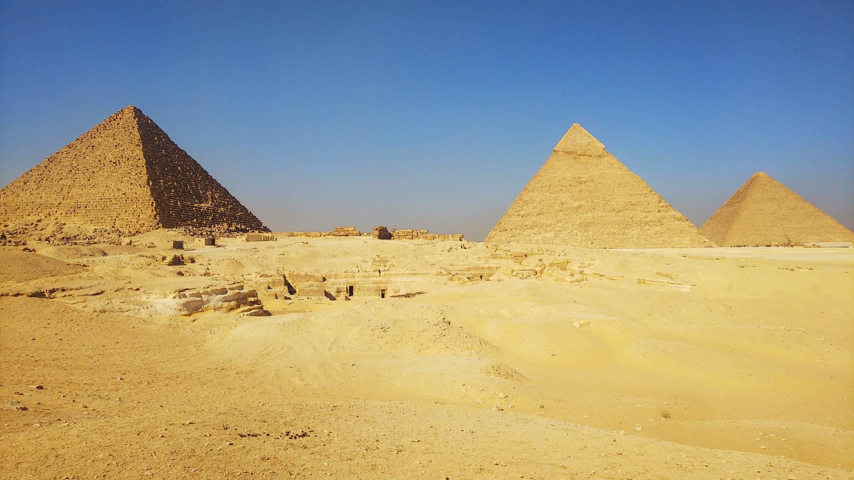 ギザのピラミッドの行き方と入場料金についての徹底解説!