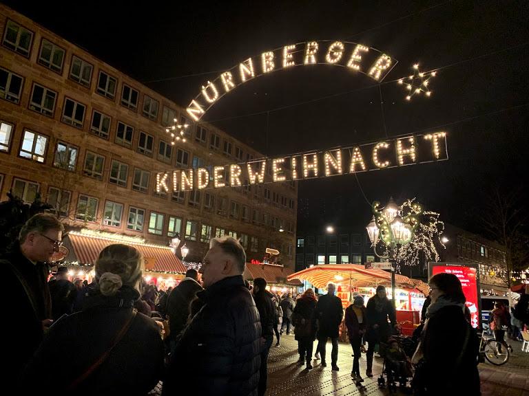 ドイツで一番人気のニュルンベルクのクリスマスマーケットへ!