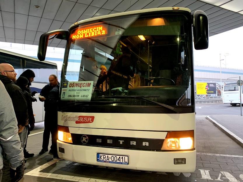【最安】クラクフからアウシュビッツへバスでの行き方とチケットの徹底解説!