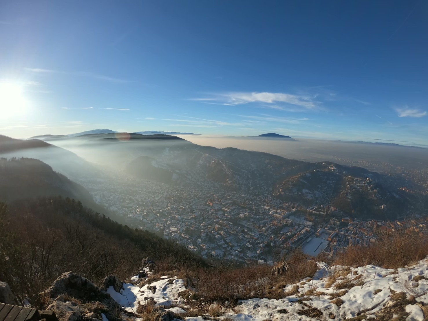 【プレハネ32ヶ国目】ルーマニアのブラショフへ!タンパ山から街を望む。